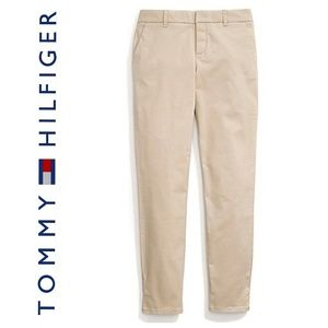 NWT Tommy Hilfiger Hampton Stretch Slim Chino
